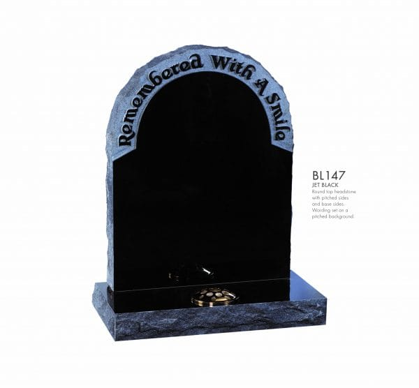 BELLE LAPIDI - Pitched edge memorial 'Remembered with a smile' - BL147