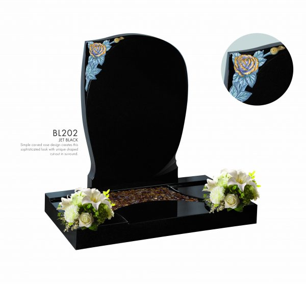 BELLE LAPIDI - Carved rose memorial with surround - BL202
