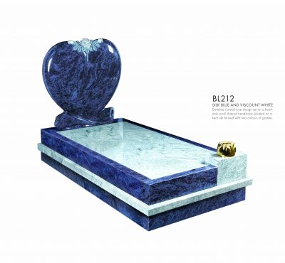 BELLE LAPIDI - Heart with carved roses kerb set memorial - BL212