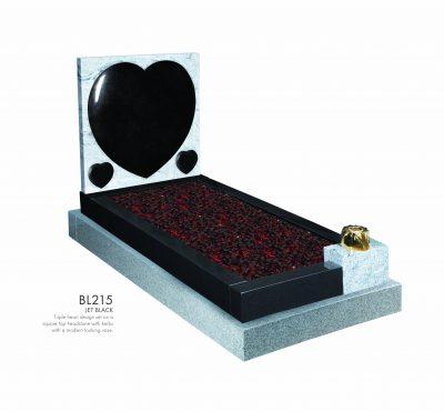 BELLE LAPIDI - Triple heart kerb set memorial - BL215